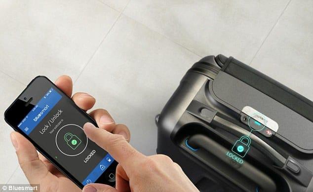 """Vali thông minh gắn thiết bị định vị vệ tinh GPS tự """"liên lạc"""" với chủ"""