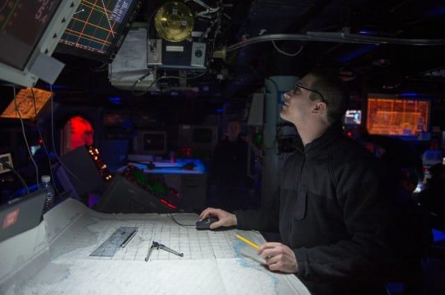 Sợ lỗi GPS, hải quân Mỹ dạy lính định vị bằng… chòm sao